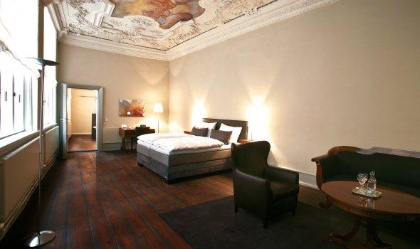 Suite No.3 - Helios and Aurora ceiling fresco