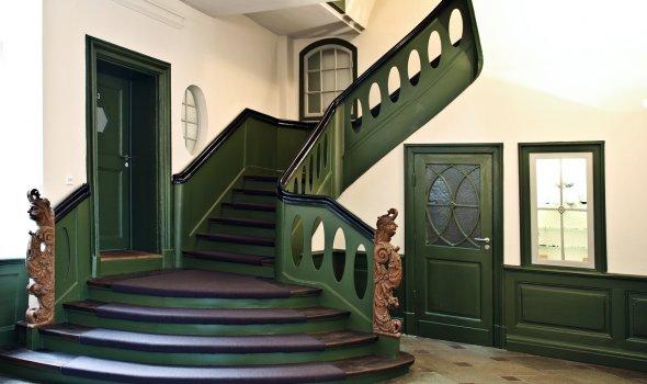 Hotel stairway - 17th century